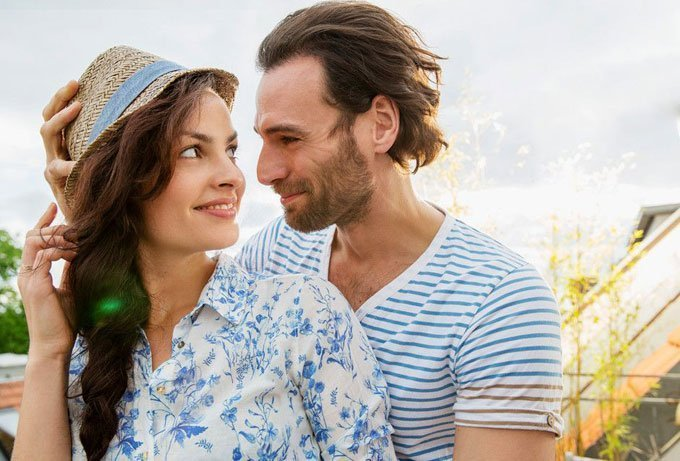 What A Leo Man Looks For In A Woman (Top 5 Secrets UNVEILED)